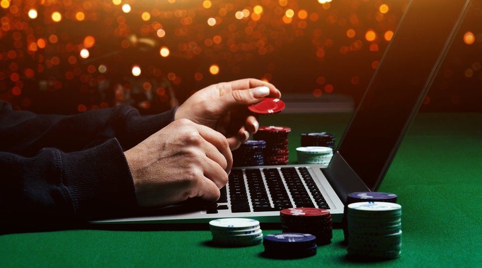Online Casinos Feel The Credit Crunch